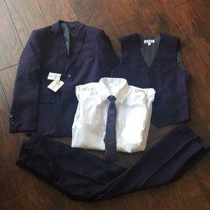 NWT American Exchange Five-Piece Solid suit set